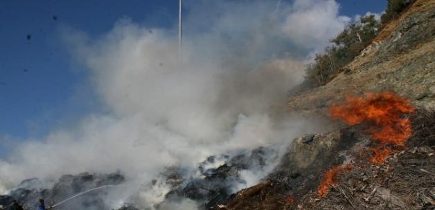 Marmaris'te  atık yangını korkuttu