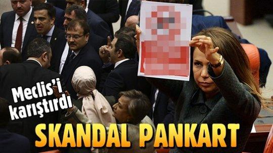 Meclis'te 'Köpek giremez' pankartı gerginlik yarattı