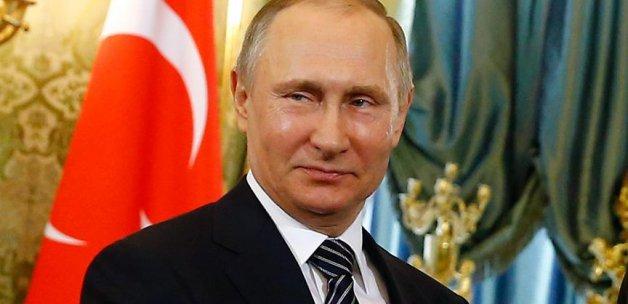 Putin: Türklerin çalışma izinleri, vize kolaylığı ve Türk şirketlerine yönelik yasaklar en yakın zamanda kalkacak