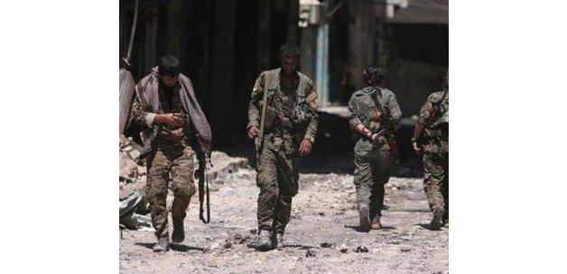 PYD Suriye'de özerk yönetim ilan etti