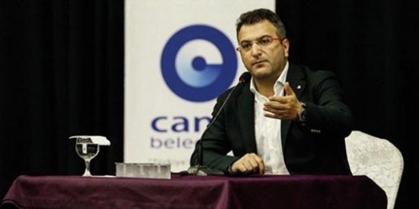 AKP'li belediye, Cem Küçük'ün programını iptal etti