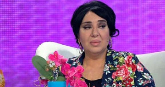 Nur Yerlitaş: Nurella'yla, Nur Yerlitaş Arasına Kara Kedi Girdi