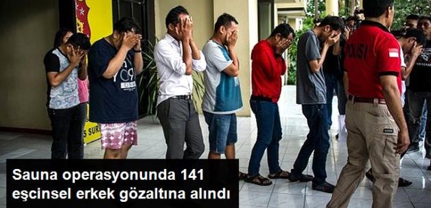 Endonezya'da Eşcinsel İlişkiye Giren 141 Erkek Gözaltına Alındı