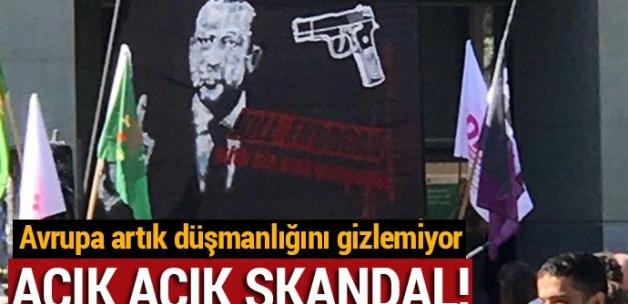 """İsviçre'de """"Erdoğan'ı öldürün"""" pankartıyla ilgili skandal karar"""
