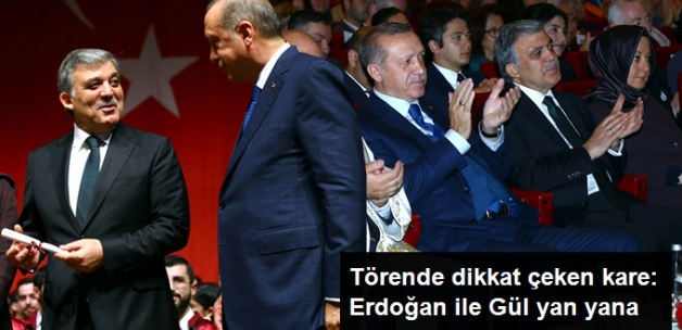 Mezuniyet Töreninde Dikkat Çeken Kare: Erdoğan ile Gül Yan Yana Oturdu