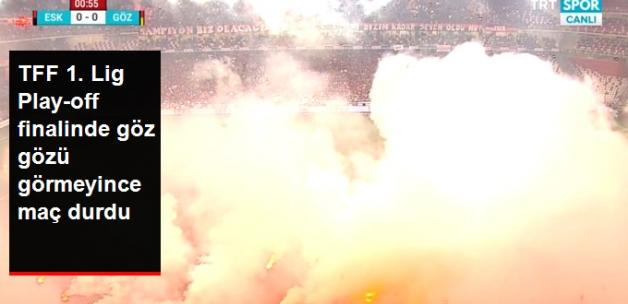 Eskişehirspor-Göztepe Maçı, Atılan Meşaleler Nedeniyle Uzun Süre Durdu