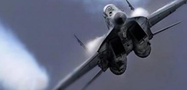 Koalisyon Suriye'de rejim yanlısı güçleri vurdu