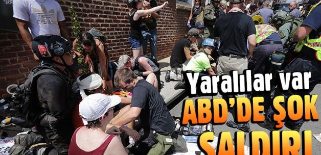 ABD'de otomobil göstericilerin arasına daldı: Yaralılar var