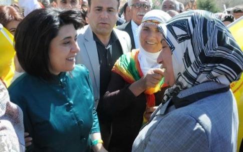 Vekilliği düşürülen Leyla Zana köye yerleşti!