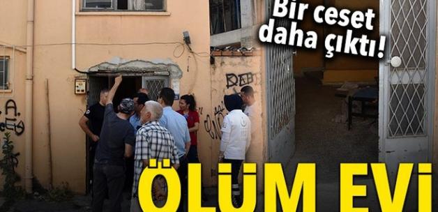 Antalya'da aynı evde 4,5 arayla iki ceset bulundu