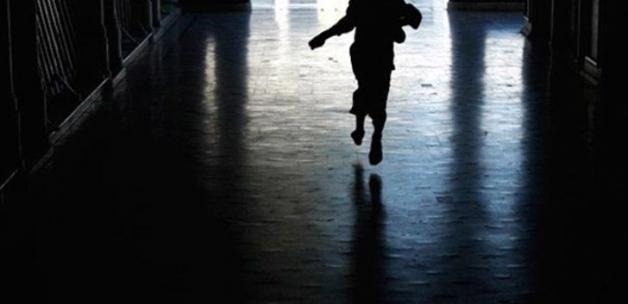 İzmir'de iğrenç olay! 6 yaşındaki kızını istismar eden sevgilisini savundu