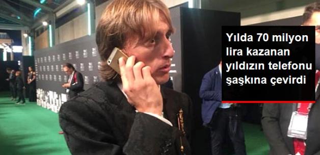 Yılda 70 Milyon Lira Kazanan Yıldızın Telefonu Şaşkına Çevirdi!
