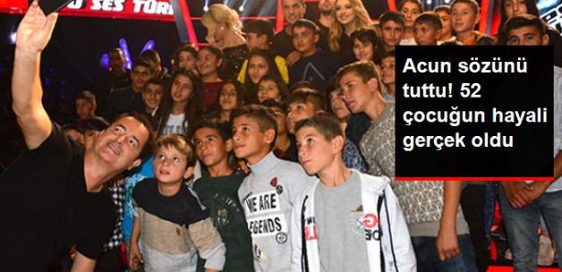 Acun Ilıcalı, Köy Şartlarıyla O Ses Türkiye'yi Çeken Öğrencileri Sevindirdi
