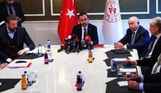 Türkiye'de tüm ligler ertelendi! TFF Başkanı tarih verdi…