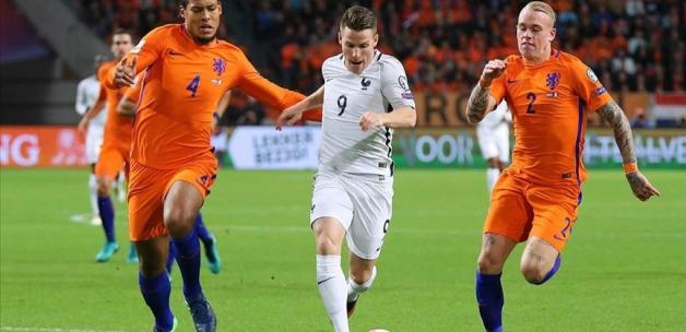 Hollanda'da 1 Eylül'e kadar futbol oynanmayacak