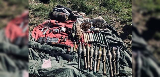 Van'da terör örgütü PKK'ya yönelik operasyonda silah ve mühimmat ele geçirildi