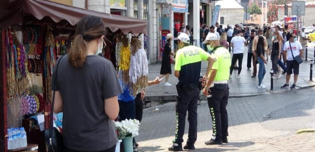 Taksim'de taciz iddiası! Önce otobüste yanına oturdu ardından...