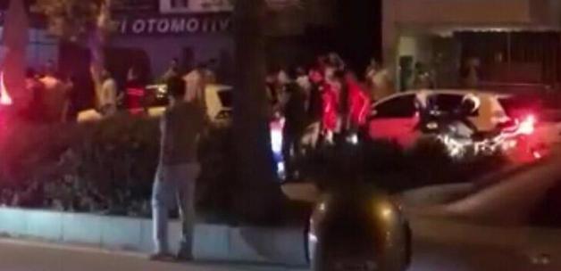 'Dur' ihtarına uymayıp polise ateş açtılar: 4 yaralı var