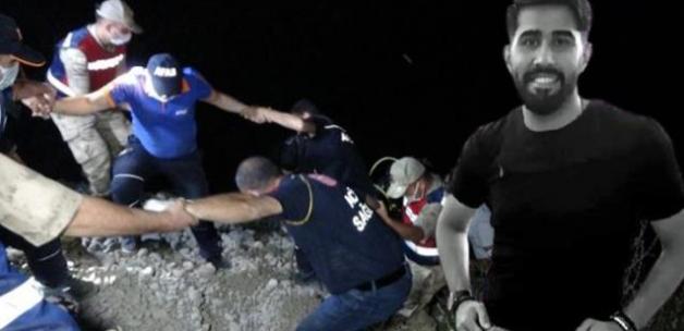 Ekipler, Murat Nehri'ne giren gencin cansız bedenine saatler sonra ulaşabildi