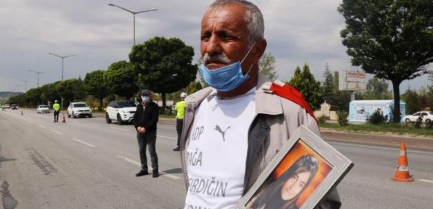 PKK'nın kaçırdığı kızını geri isteyen baba İzmir'den Ankara'ya yürüyor