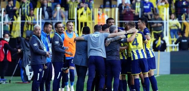 Fenerbahçe milli araya lider gitti