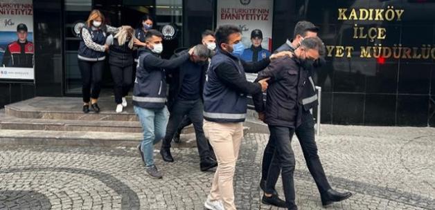 Kadıköy'de 20 yıl sonra gelen töre cinayeti şüphelisi ile babası tutuklandı