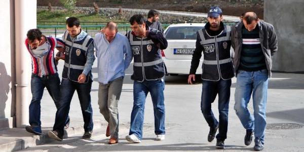 25 Kilo Esrarla Yakalanan 3 Kişi Gözaltina Alindi