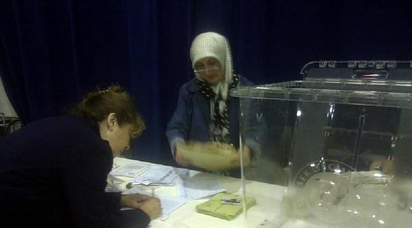 2.7 Milyon Seçmenin Yüzde 5'i Oy Kullandı