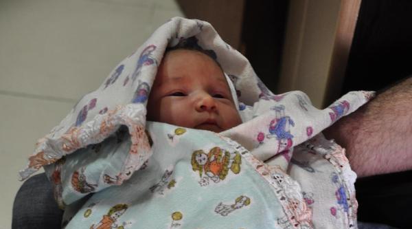 2 Günlük Bebek Terkedildi