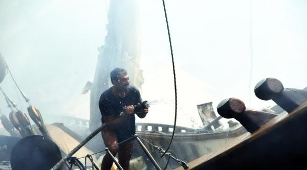 2 Milyon Euro'luk Yat Alevler İçinde (2)