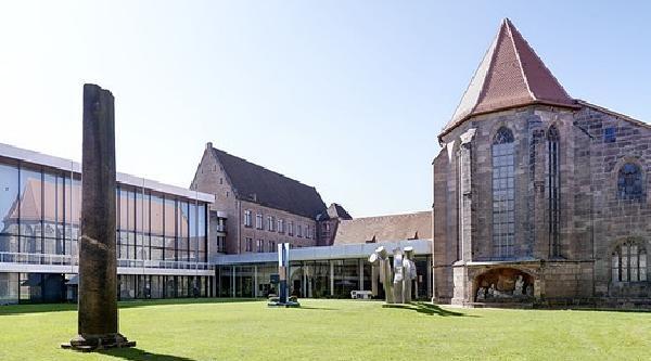 2 Üniversiteli Müzeden 1 Milyon Euro'luk Tabloyu Çalmaya Kalktı