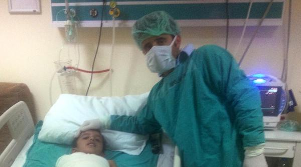 35 Bin Volt Akıma Kapılan 8 Yaşındaki Adem'in Önce Kolu, Sonra Bacağı Kesildi