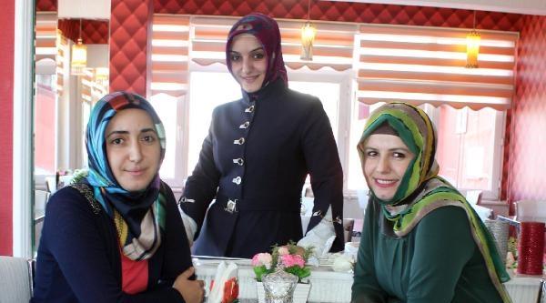 3 Kadın Öğretmen, Erzurum'da Kadınlar Kahvesi Açtı