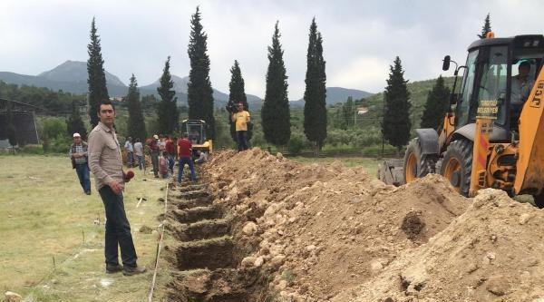 3 Madenci Yan Yana Toprağa Verildi