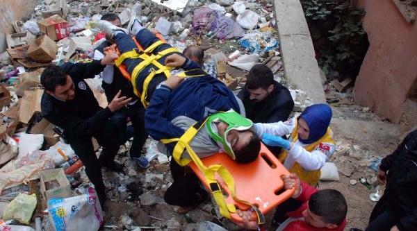 3'üncü Kattan Atlayan Liseli Ağir Yaralandi