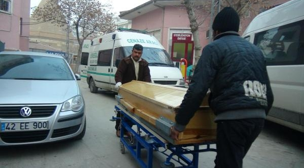 40 Günlük Ayaz Bebek, Cami Kirik Odada Zatürreden Öldü