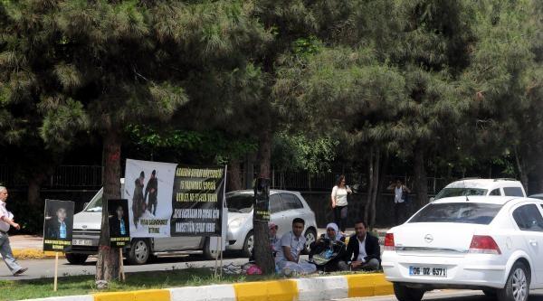 45 Yıl Ceza Alan Pkk'lının Ailesi De 'adalet' Eylemine Başladı