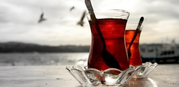 60 yaş ve üstüne çay bedava!