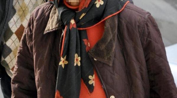 70 Yaşindaki Kadin Fuhuşa Yer Temin Etmekten Gözaltina Alindi