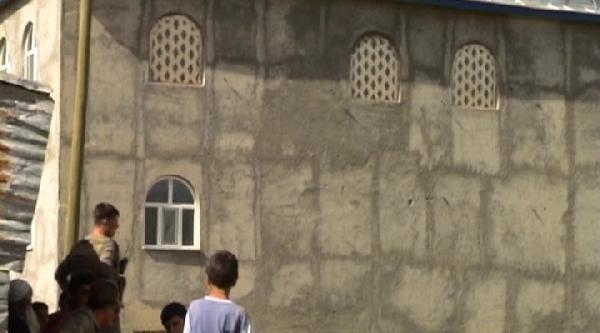 7 Kişinin Yaralandığı Köyde Jandarma Nöbette