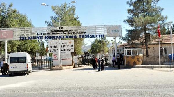 90 Suriyeli Islahiye'den Viranşehir'e Gönderildi