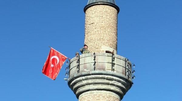 99 Yil Öncesi Canlandirildi: Minarede Sancak Dalgalandi, Mehmetçik Ezan Okudu