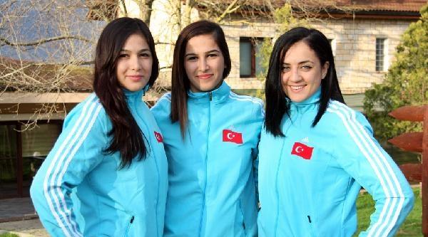 A Milli Kadın Güreş Takımı, Avrupa Şampiyonasi'ndan Madalya Bekliyor