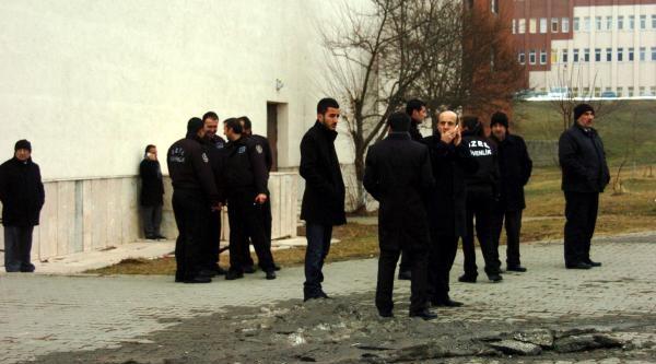 Abant Izzet Baysal Üniversitesi'nde Kavga: 3 Yarali