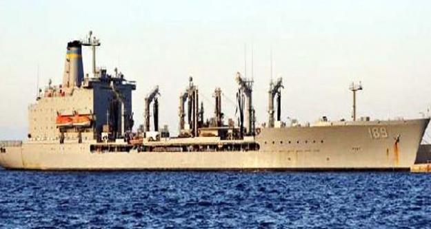 ABD savaş gemisi Girit'e demirledi!