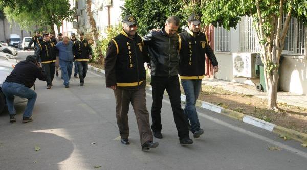 Abd'li Askerlerin Üniformalarini Çalip Satiyorlarmiş