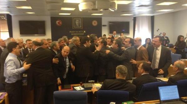 Adalet Komisyonu'nda Kavga Çikti