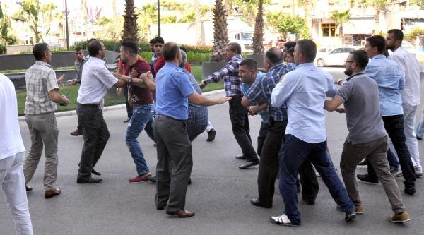 Adana Demirspor'da Aydoğdu Başkan:3 Kişi Bıçaklandı