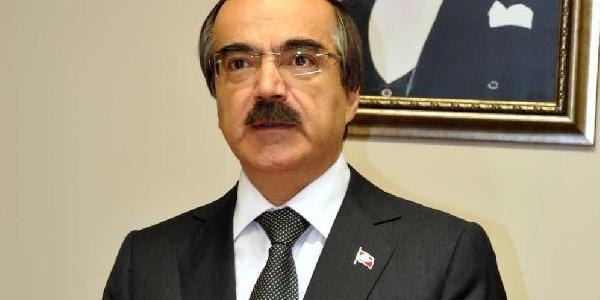 Adana'da 10 Kasim Töreninde Protestoya Kizan Vali Coş, 'alin O Gavati' Diye Bağirdi (3)