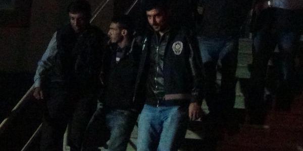 Adana'da 4 Kişiyi Öldüren 2 Şüpheli, Bingöl'de Yakalandi